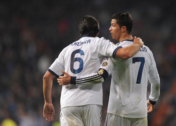 Cristiano+Ronaldo+Sami+Khedira+Real+Madrid+8LXAv7O0B3cl.jpg