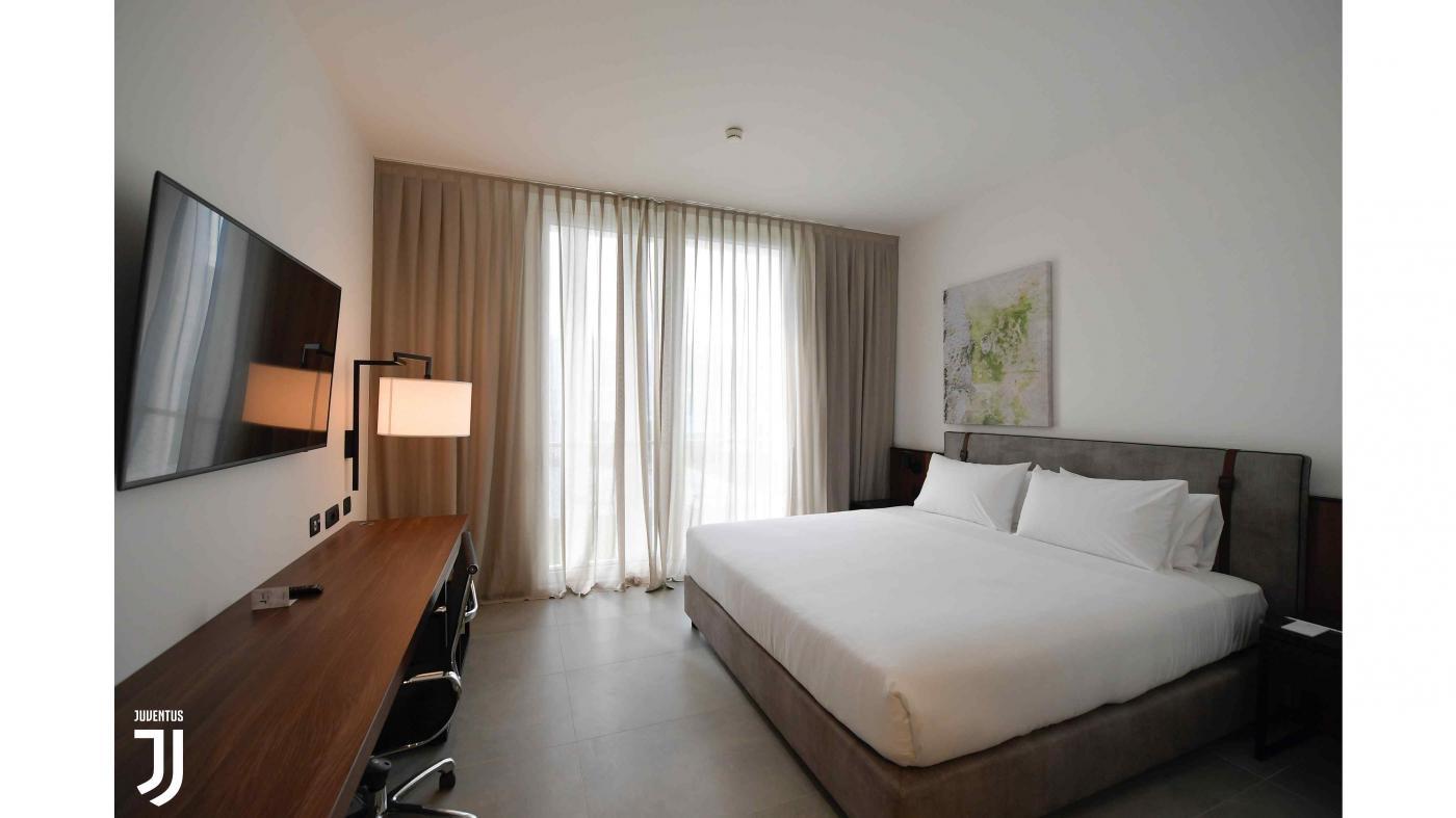 J_hotel08.variant1400x787.jpg
