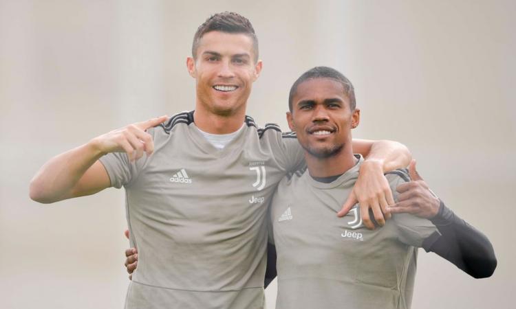 Ronaldo.Douglas.Costa.Juve.2018.allenamento.750x450.png
